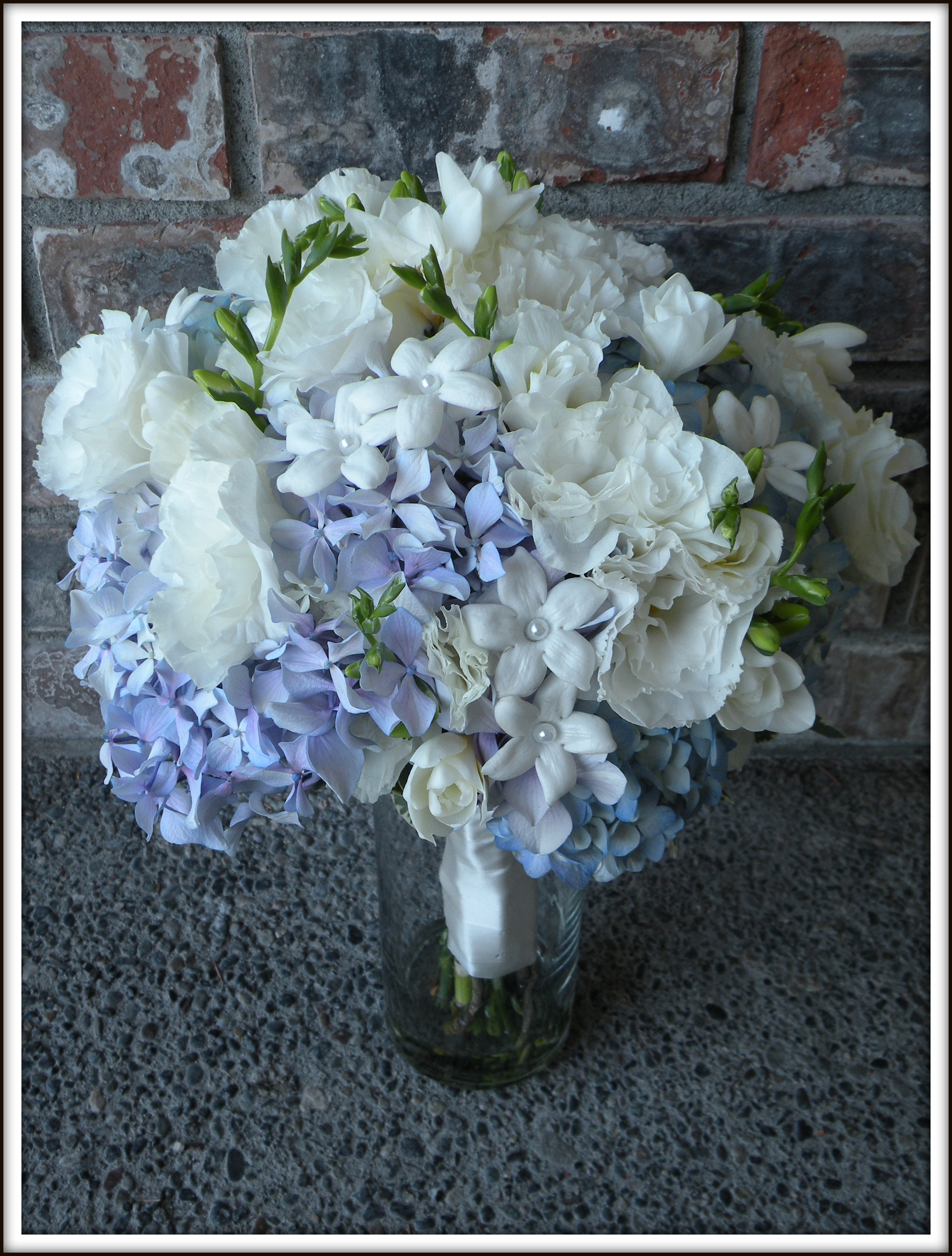 Hydrangea Bouquets Amp Mason Jar Centerpieces A Real Wedding