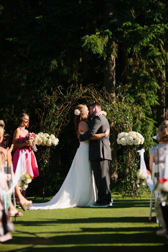 Canterwood Wedding on the Green, photo by Jeff Marsh || Ceremony Design by Jen's Blossoms