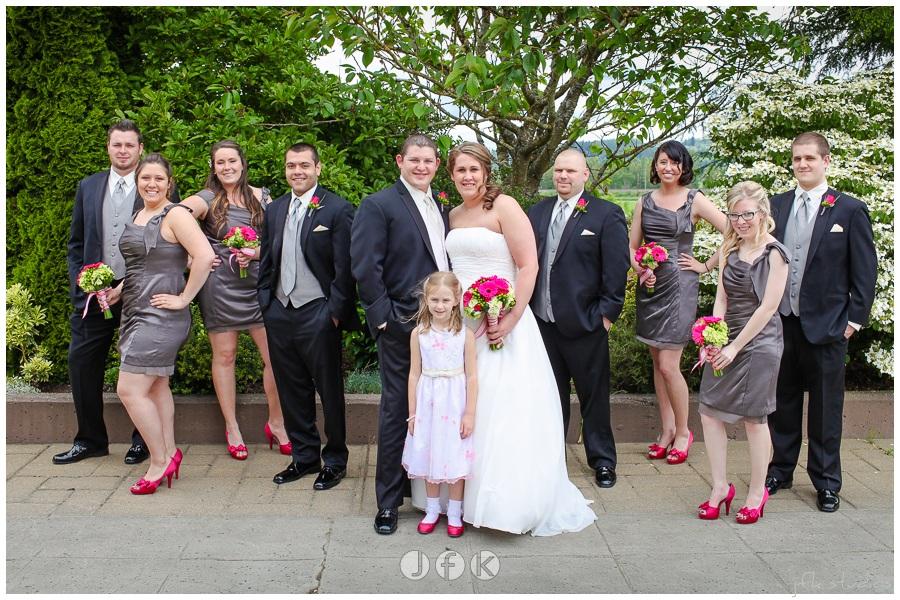 Hot Pink, Green & Gray Real Wedding | Jen\'s Blossoms Blog