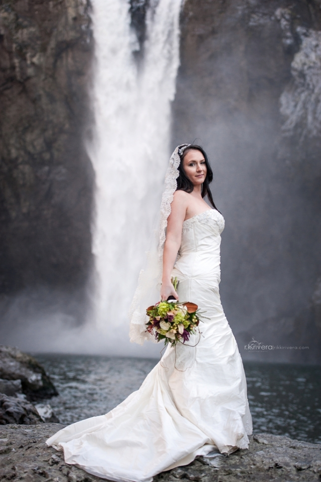Snoqualmie Falls Bride with Bouquet by Jen's Blossoms || Photo by r.k. rivera photography
