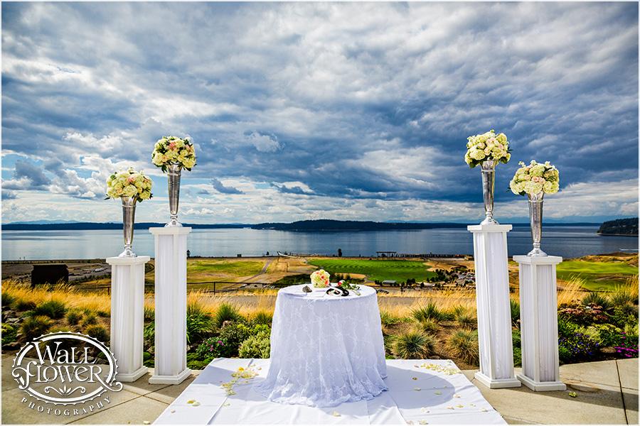 Peach, Silver & White: Chambers Bay Wedding | Jen\'s Blossoms Blog
