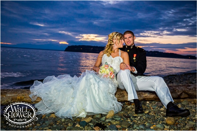 Chambers Bay Wedding Sunset Bride & Groom || Flowers By: Jen's Blossoms || Photo By: WallflowerPhoto